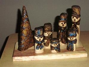 Hand Carved  Snowman Family Choir Basic Set