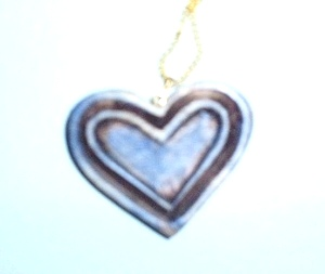 antique look heart necklace